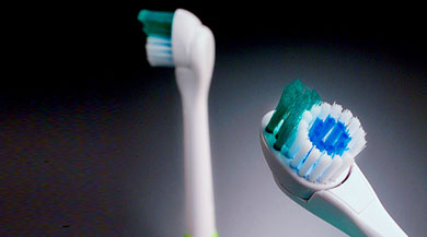 col_toothbrush1.jpg
